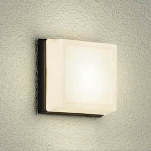 LEDブラケットライト 業務浴室用 白熱灯60W相当 非調光タイプ 飛散防止コーティング加工 防雨・防湿形 電球色タイプ