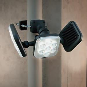 フリーアーム式LEDセンサーライト 防雨型 コンセント式タイプ 天井取付可 8W×3灯 2250lm ハロゲン450W相当 画像2